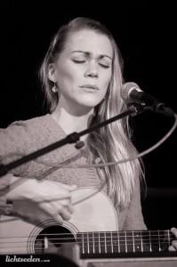 Janin Devi ganzherzig